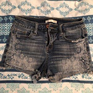 Daytrip by Bke shorts